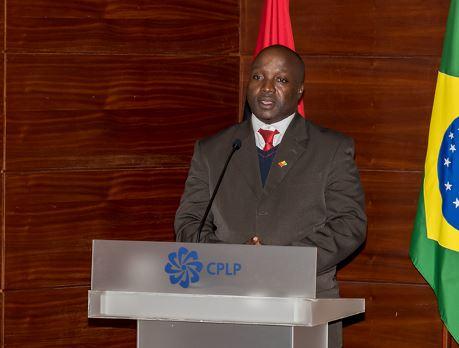 Incanha Intumbo é Diretor Executivo do IILP